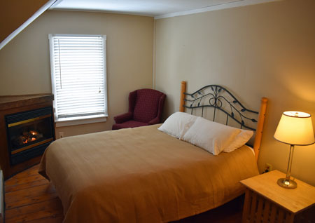 Isaac Merrill House Inn in North Conway NH - Room #4